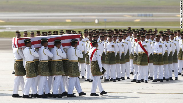 MH17 victims' remains return to Malaysia
