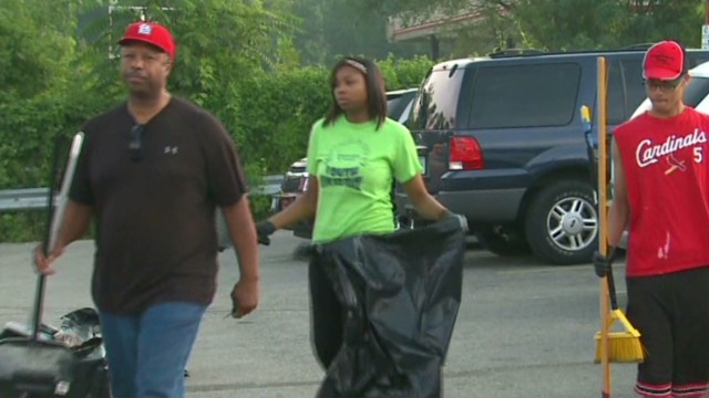 church cleans up streets of ferguson good stuff newday _00003820.jpg