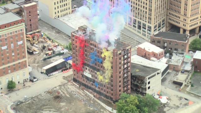 vonat hotel implosion_00001508.jpg