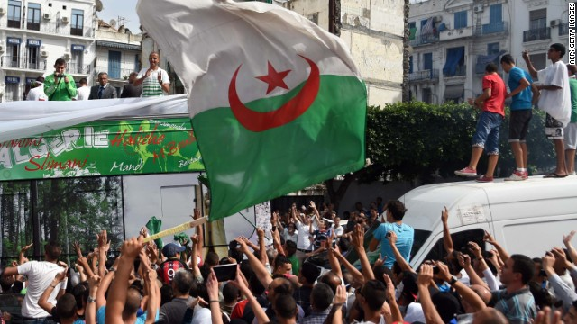 The Algerian national team was given a heroes' welcome after returning from the World Cup