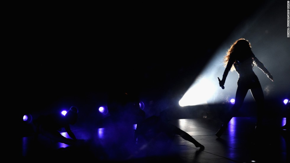Beyonce performs at the 2014 MTV Video Music Awards.