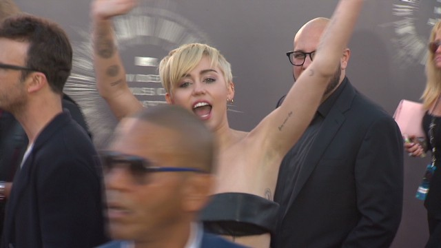 Stars Come Out 2014 MTV VMA's_00003630.jpg