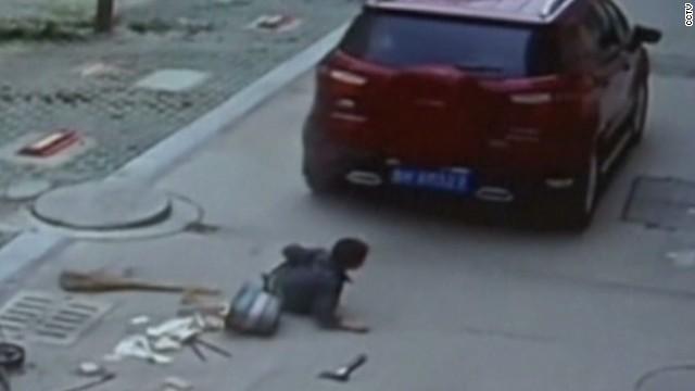 pkg stevens china boy survives being hit by car_00001208.jpg
