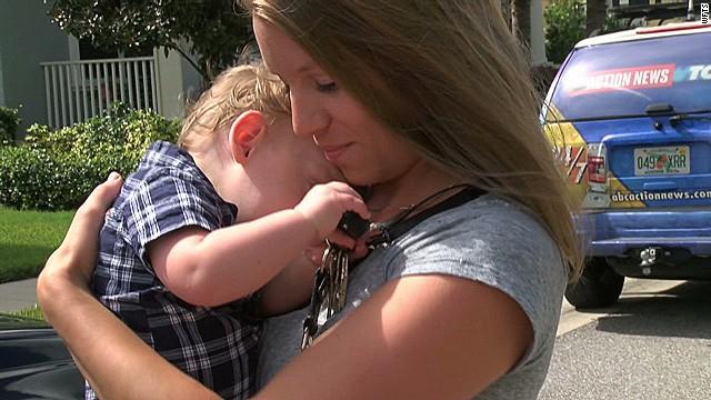 pkg mom calls 911 for trapped toddler_00010106.jpg