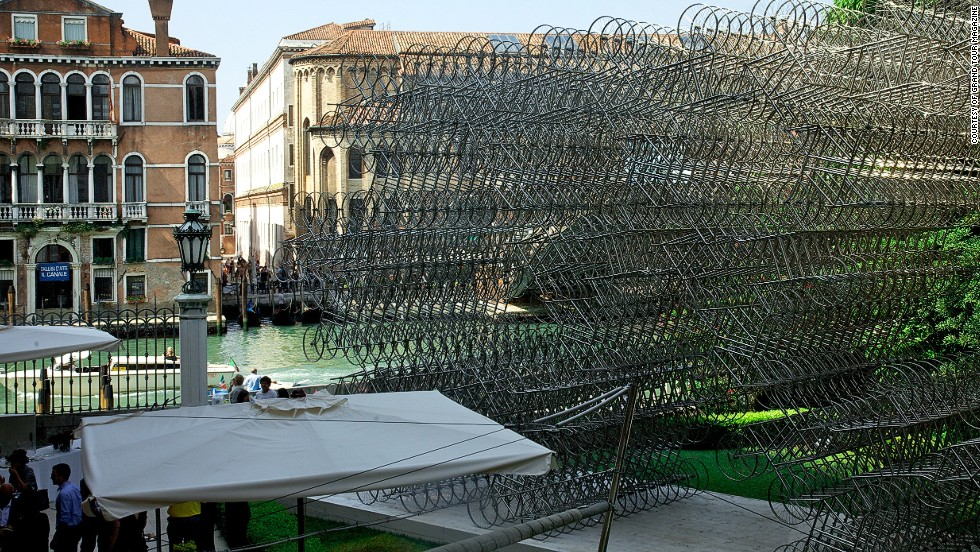 Ai Weiwei's new installation of 1,179 stainless steel bicycle frames occupies the courtyard of the Palazzo Franchetti. This the latest addition to his Forever Bicycles series.