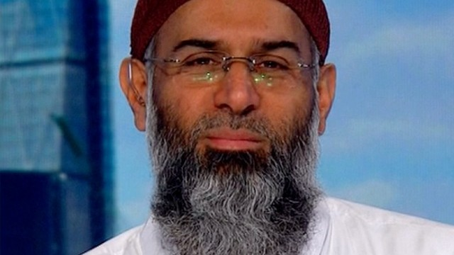 Muslim leader condemns suicide bombers with fatwa | Daily Mail Online