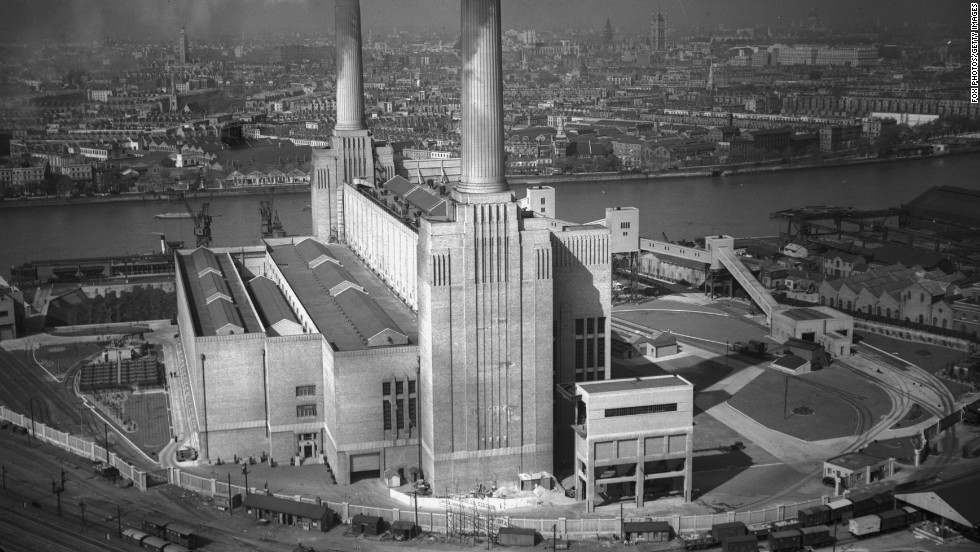 Built in the Thirties, when this shot was taken, as a functional coal-fired power station, its distinctive design has made it famous around the world. The other two towers were not added until 1953, forming the familiar four-chimneyed silhouette.