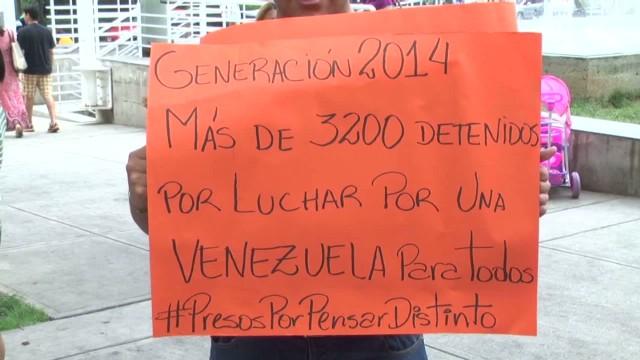 cnnee castellanos venezuel students deported_00021523.jpg