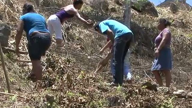 cnnee sandoval honduras drought intl help_00025429.jpg