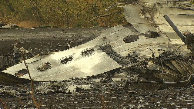 pkg magnay ukraine mh17 crash site_00002801.jpg
