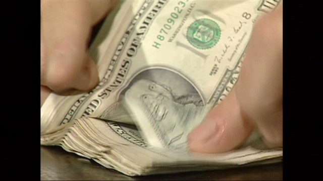 cnnee pkg argentina economy debt_00005426.jpg