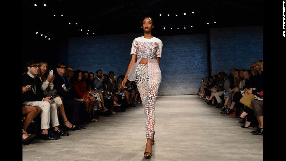 Indian-born designer Bibhu Mohapatra matched a crop top with sheer underlay with a pair of slim-fit pants for his show on September 10.