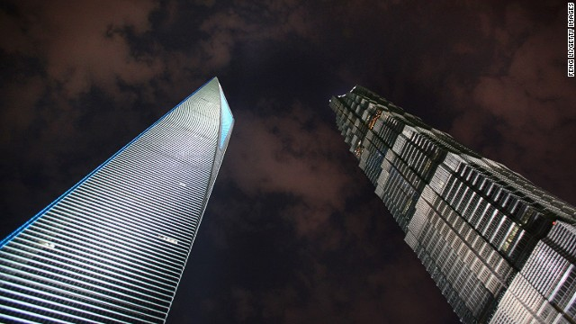In terms of the number and scale of modern high-rises, Shanghai enters New York mode. Shanghai Jinmao Tower (Right, 420.5 meters high) and Shanghai World Financial Center (Left, 492 meters high) in Pudong Lujiazui Financial District are two of them.