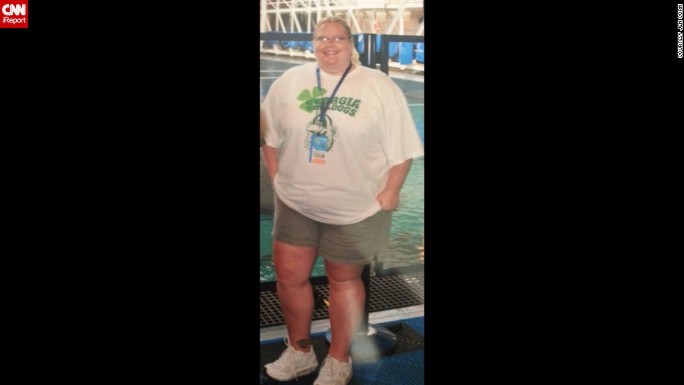 "A March 2011 photo taken at the Georgia Aquarium in Atlanta shocked her. ""When I got the pictures back, I told my friend, 'I want you to burn this picture,' "" Corn said, realizing she was indeed the person in the photo. Later that year, her mom and aunt offered to pay for her to have weight-loss surgery."