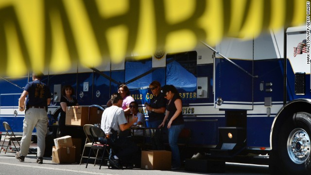 A Hot Dog Vendor Sets Up In Front Of Clothing S Los Angeles 39 Fashion District Omar Bárcena Cc By