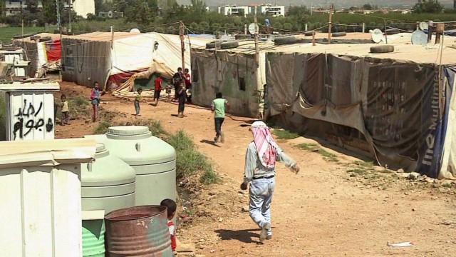 cnnee klein lebanon refugee camp living_00015102.jpg
