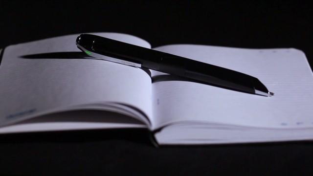cnn orig devices smart pen livescribe 3 _00000502.jpg