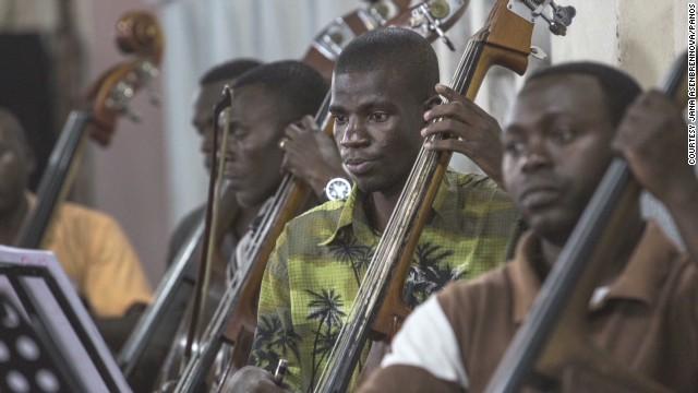 pkg amanpour Kinshasa Symphony Orchestra iaw_00005610.jpg