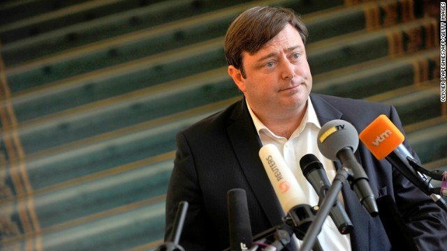Flemish separatist leader, Bart De Wever is pictured during a press conference at the parliament in Brussels, on July 8,2010.