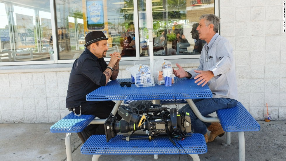 Bourdain chats with Handsome Dick Manitoba outside of White Castle.