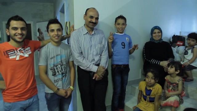 cnnee klein uruguay welcomes syrians refugees _00032402.jpg