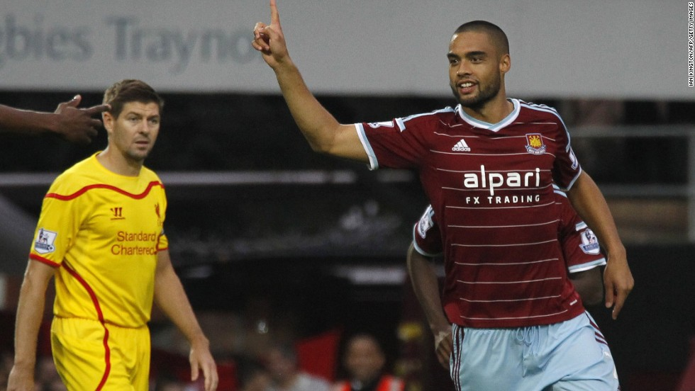 New Zealand defender Winston Reid gave the London side the lead after just two minutes in the English Premier League match.