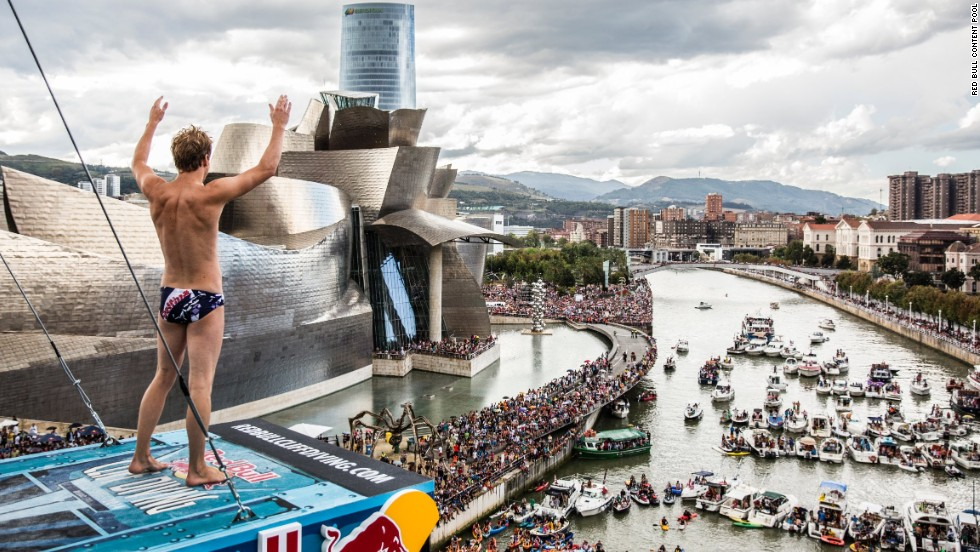 Gary Hunt, the overall champion, looks down at the Nervion river from his position on La Salve Bridge. The spectacular Guggenheim Museum on the left provided a wonderful backdrop to the competition which welcomed 52,000 fans.