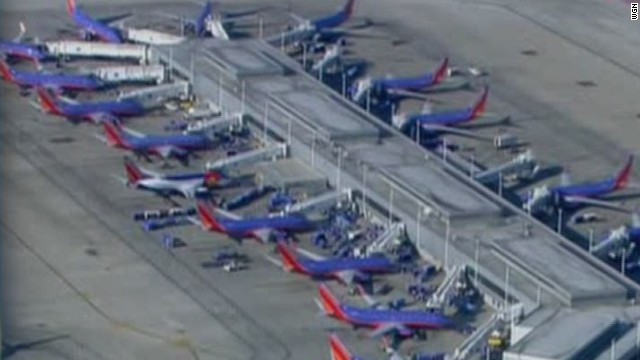 suicide attempt slows chicago airports_00002904.jpg