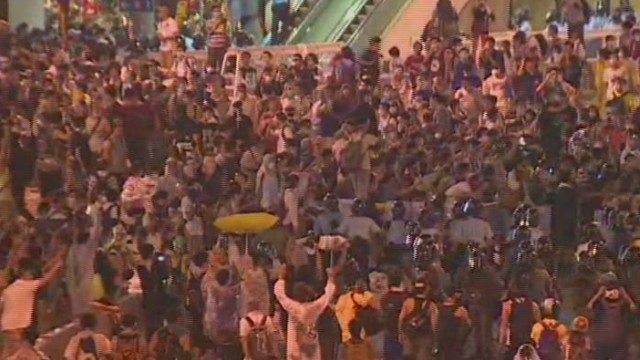 cnni watson hong kong riot tear gas _00005215.jpg