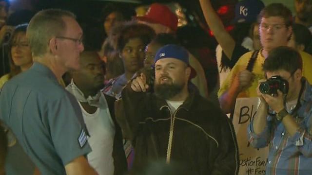 tsr dnt sidner ferguson protests racial divide _00001020.jpg