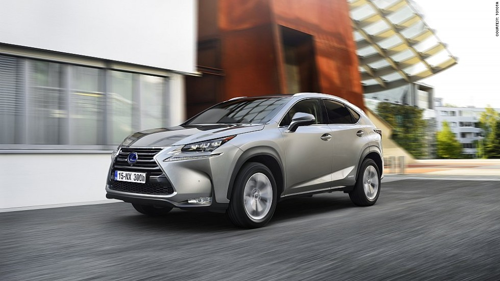 As a full hybrid, the new Lexus NX 300h can be driven for short distances in full electric vehicle mode -- that means no tailpipe emissions.
