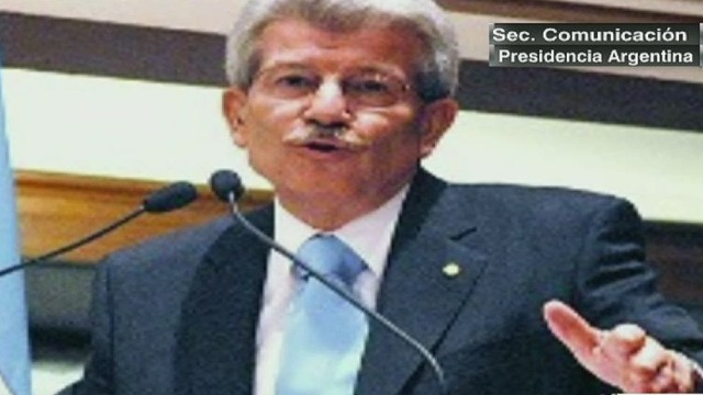 cnnee cafe umana argentina central bank pres quits_00001821.jpg