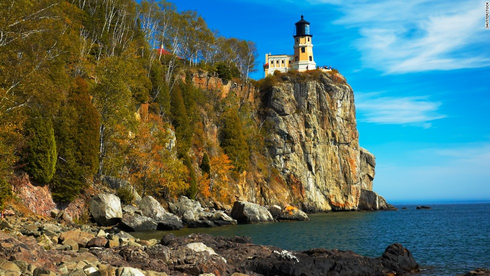 One of Minnesota's most scenic landmarks, Split Rock Lighthouse was built in 1910 atop a cliff on Lake Superior's north shore.
