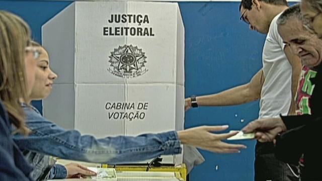cnnee umana brazil fleuri political analyst intv_00023502.jpg