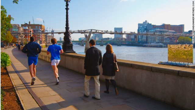 To enjoy a run in London, we recommend the 289-kilometer Thames Path. Well, a portion of it -- the 13 kilometer section that winds from Richmond to Hammersmith in the city center.