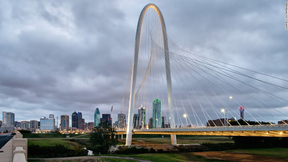 The 7.4-kilometer Trinity Skyline Trail offers great views of the Dallas skyline.