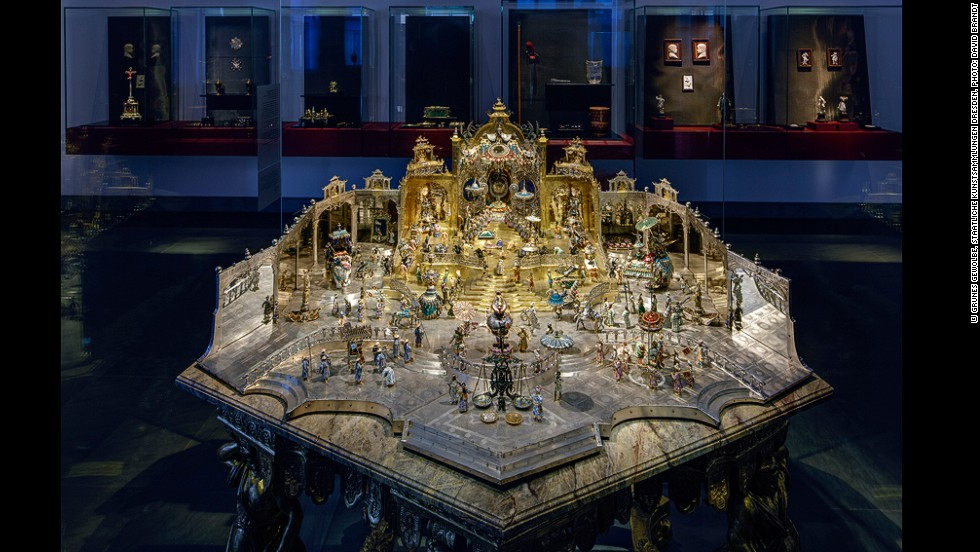 For Augustus the Strong, the Mughal emperor Aurangzeb was an idealized figure of absolute power and limitless wealth. This jewel-encrusted diorama of the Mughal court cost Augustus more than the construction of the Moritzburg Castle itself.