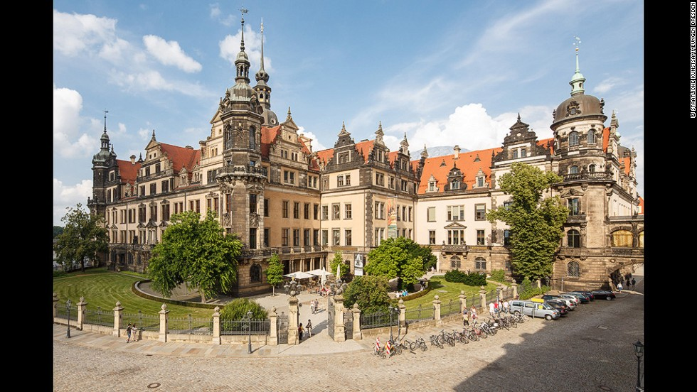 The Dresden Castle is a residential palace incorporating baroque, Renaissance and classical styles. Today it houses a complex of great museums, including the Green Vault.