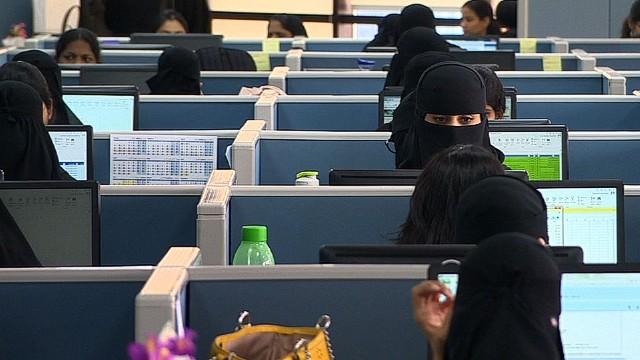 pkg defterios saudi arabia women workforce_00014823.jpg