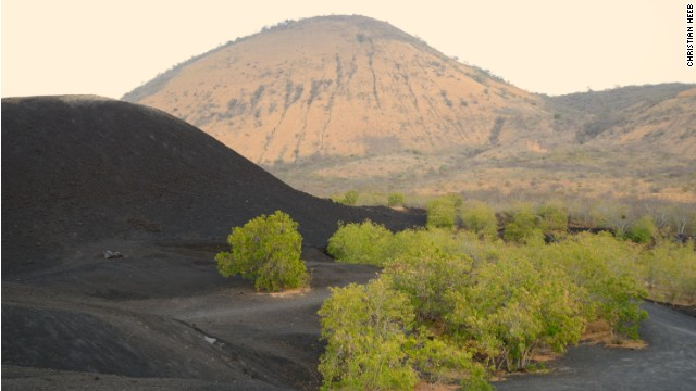 The landscape around Cerro Negro exhibits an austere beauty.