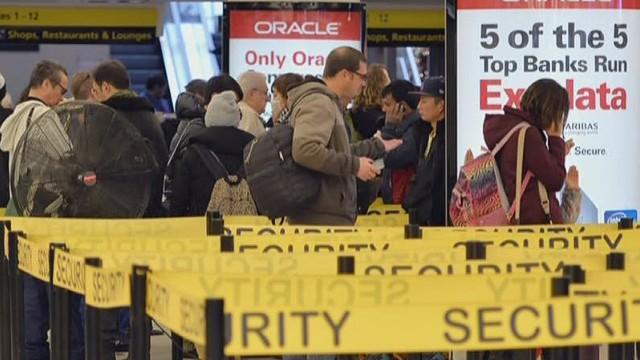 U.S. airports start Ebola screenings