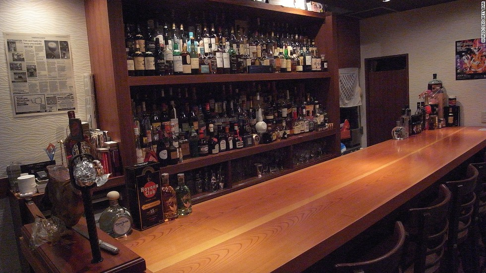 Run by Hidetsugu Ueno, Japan's most celebrated bartender, High Five doesn't offer menus. Instead, Ueno is able to create a tailored concoction on the spot after only a few taste-preference questions.