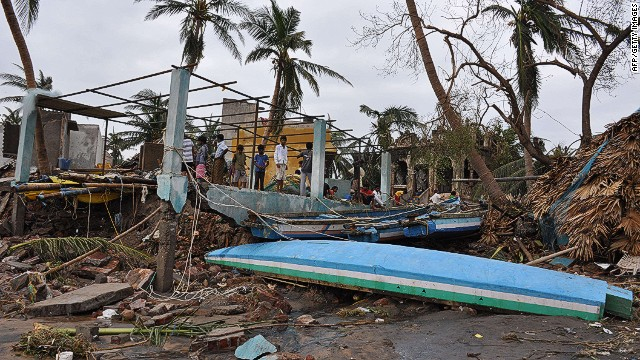 Tropical Cyclone Hudhud kills 29 in India
