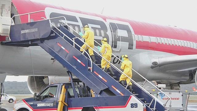cnnee castellanos venezuela ebola airport drill_00000821.jpg