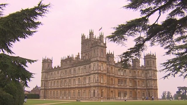 pkg glass downton abbey castle_00001904.jpg