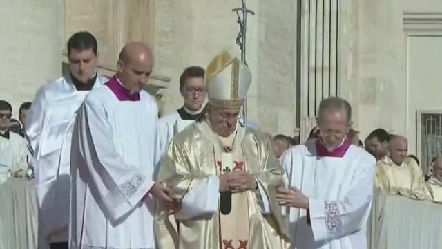 Pope beatify synod_00004313.jpg