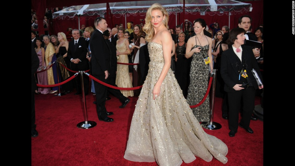 Cameron Diaz could've been mistaken as the night's top prize at the 2010 Oscars, where she wore a golden de la Renta gown that was breathtaking thanks to its layers of tulle and embroidery.