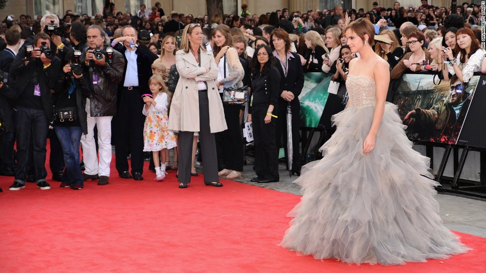 "For an occasion as big as her final ""Harry Potter"" premiere, actress Emma Watson chose a designer she knew would have a timeless and memorable look. Seen here at the 2011 premiere of ""Harry Potter and the Deathly Hallows -- Pt. 2,"" Watson's voluminous de la Renta dress perfectly matched the emotional scale of the event."