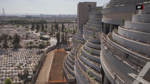 vertical cemeteries in israel ts orig chris boyette_00002522.jpg