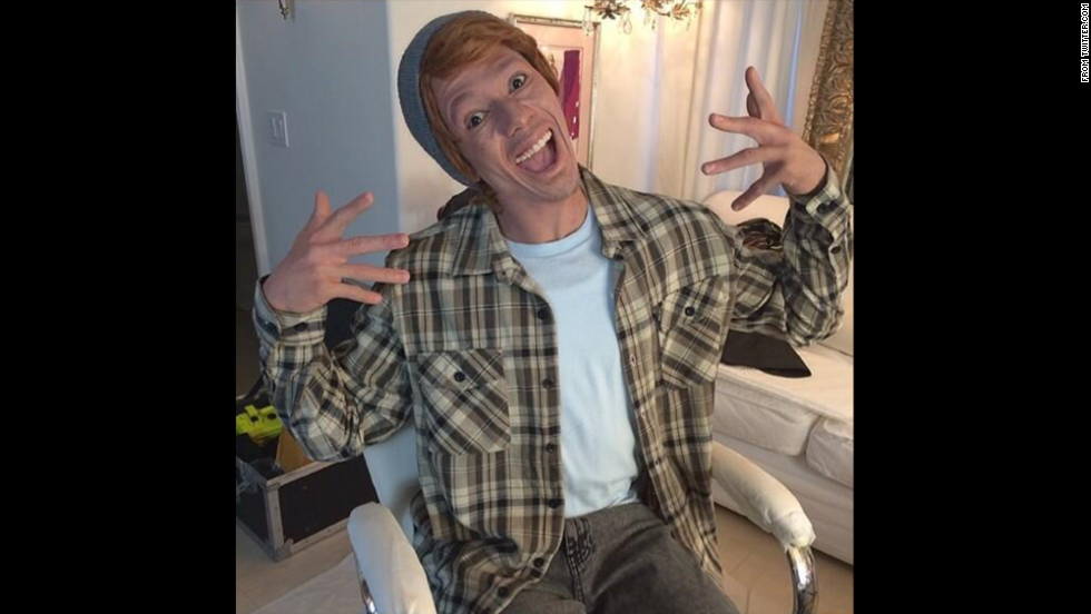 actor and tv host nick cannon dressed up as a character photos skip these halloween costumes - Halloween Costumes Without Dressing Up